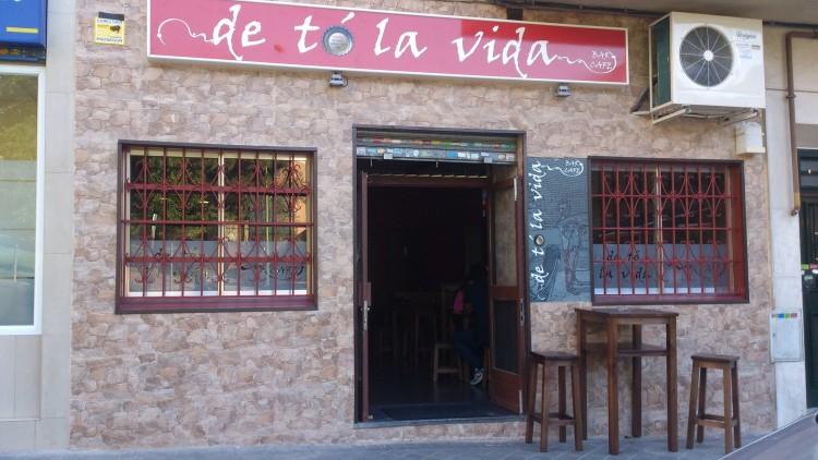 bar de to la vida - Cervezas La Vallekana, la cerveza artesana de Vallecas