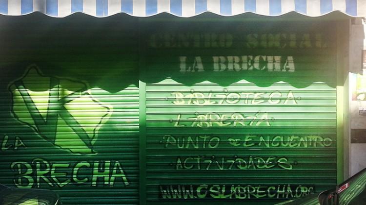 La Brecha es un Centro Social; esto es, un espacio abierto al barrio - Cervezas La Vallekana, la cerveza artesana de Vallecas